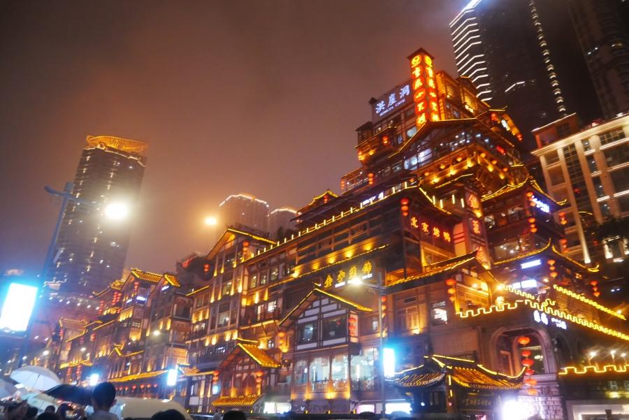 专治电动车主焦虑 上海10万充电桩正袭来